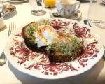 west hollywood rejseguide avocado toast